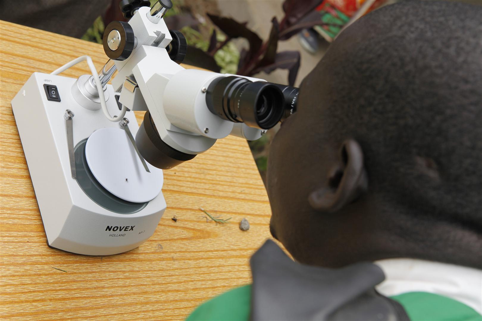 responsabilidad social tiendamicroscopios africa2