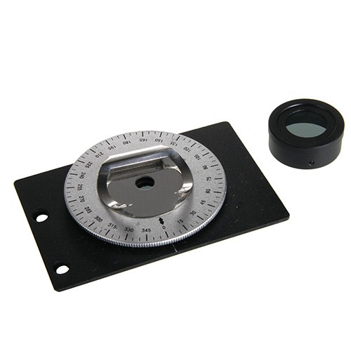 Kit completo de polarización. En analizador se monta sobre el ocular del microscopio y el polarizador esta incluido en una platina giratoria 360° que se adapta a la platina con 2 pinzas